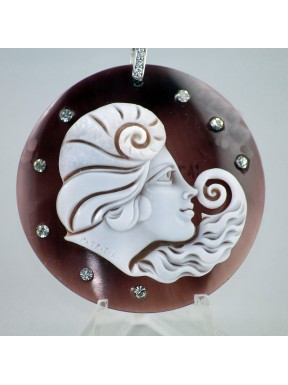 Pendent Cameo