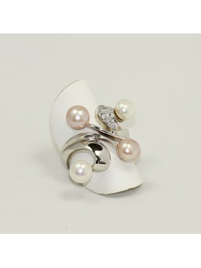 Pearls ring